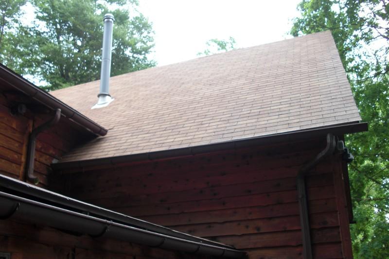 Roof powerwashing (after)